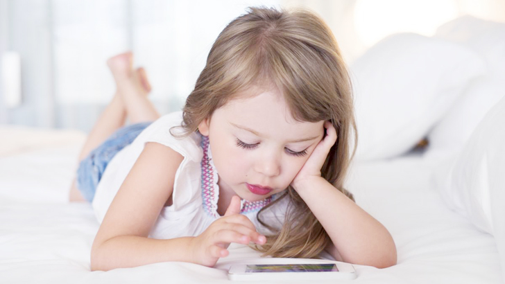 10 reasons why you should not allow young children to use mobile phones early