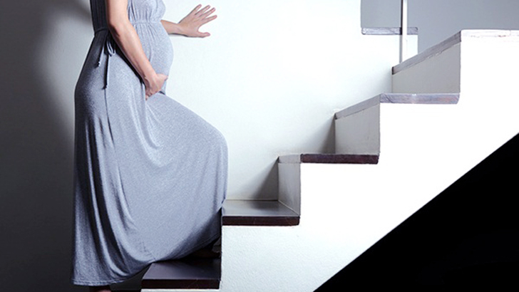Should pregnant women climb stairs?