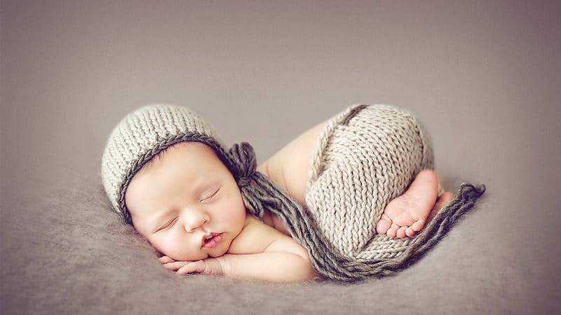 Infographic: Beginner's Guide to Newborn Photography